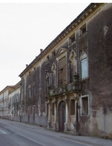 Foto della facciata della casa de Buoni Fanciulli