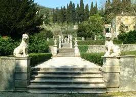 foto della scalinata di ingresso di Villa da Schio